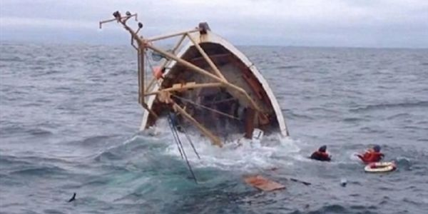 إنقلاب قارب للصيد بامهيريز.. جوج مفقودين وجوج تنقذو بأعجوبة
