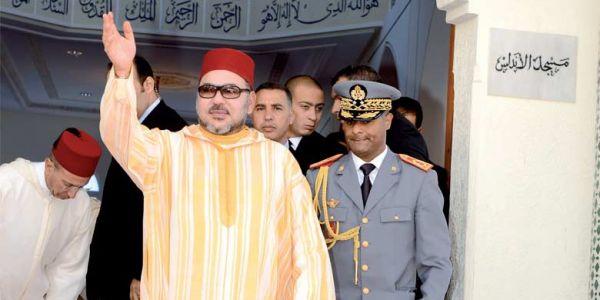 سكوب. رسميا محمد السادس في العيون. ها نهاراش واصل وها وقتاش لمدينة جاهزة وها الوجه الأفريقي للزيارة