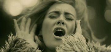 """من بعد عامين ديال الانفصال.. المغنية البريطانية """"أديل"""" وراجلها تفاهمو على تفاصيل الطلاق"""