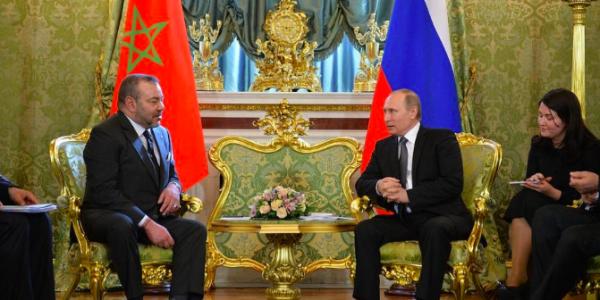الملك ما غاديش لروسيا وها شكون غادي يمشي بلاصتو