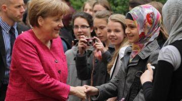 ألمانيا باغيا تتهنى دغيا من اللاجئين لمغاربة الجزائريين والتوانسة وتصيفطهوم لبلادهوم