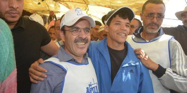 من أنتم. ومن يشغلكم. يا خصوم إلياس العمري الطارئين؟!  أنا بدوري صحفي. وعندي بطاقة. ومن حقي أن أعرف ماذا يقع في المغرب