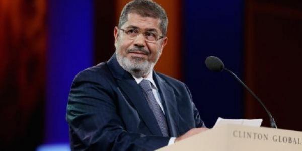 وفاة الرئيس المصري السابق محمد مرسي ف وسط المحكمة