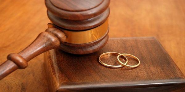 """ها علاش النسبة ديال الطلاق طايحة واخا فزمان """"كورونا"""" والحجر الصحي والمشاكل فالكوبلات كثيرة"""