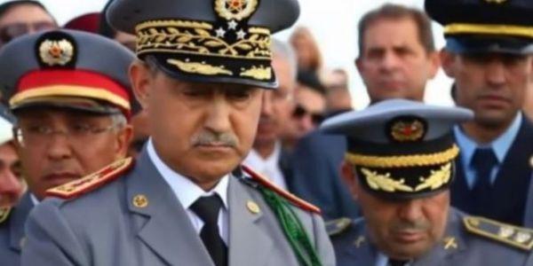 الجنرال دوكوردارمي عبد الفتاح الوراق مشا للجدار الأمني بالمنطقة الجنوبية