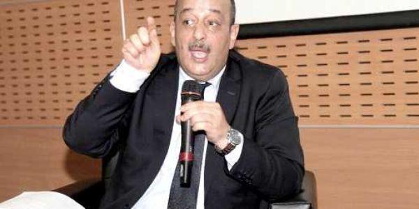 """وزير طلب من مسؤول تحت الإمرة ديالو يبدا يقرا """"كود"""""""