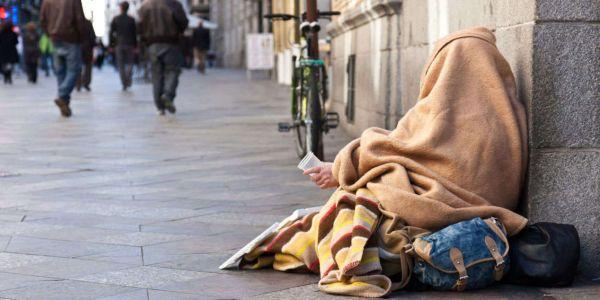متشردون مغاربة مخوفين سلطات فرنسا حقاش كيرفضو المساعدة!