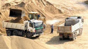 AMDH هاجمات عمالة الناظور وكتاهمها بمنح رخص شفهية لنهب الرمال
