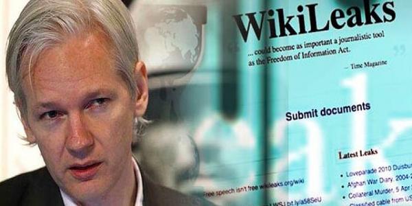 جوليان أسانج مؤسس ويكيليكس أخيرا خدا جنسية الإكوادور من بعد خمس سنوات وهو مخبي فالسفارة ديالها فبريطانيا