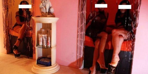 الكونغولي متزعم شبكة الدعارة الراقية بفاس لقاو عندو صور خليعة ديال قاصر هتك عرضها بالعنف