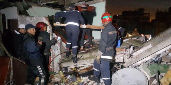 عاجل وبالصور: مقتل رجل بعد انهيار سقف دارو وكازا كتفقد روحها على هاد السبب