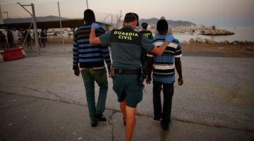 انطلاق محاكمة الايڤواري لي هرب ولدو من المغرب لسبتة فشانطة وتشدات فيها مغربية