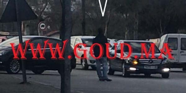 """عاجل.. توقيف شرطي مرور """"مزيّف"""" وسط فاس: حصلوه البوليس كينظم حركة السير والجولان +فيديو حصري"""