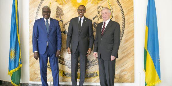 """فاحتفالية """"يوم إفريقيا"""" الإتحاد الإفريقي ضارب الطم على استقالة هورست كولر"""