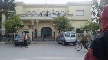 """رئيس بلدية عين تاوجطات المتهم بـ""""استغلال النفوذ والنصب والابتزاز"""" يسلّم نفسه للشرطة"""