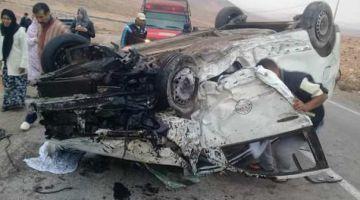 ستة أشخاص نجاو بأعجوبة من الموت بعد انقلاب سيارة للمسافرين نواحي طانطان