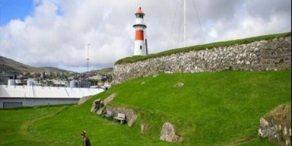 جزيرة دانماركية عدد لمعيز فيها أكثر من بنادم