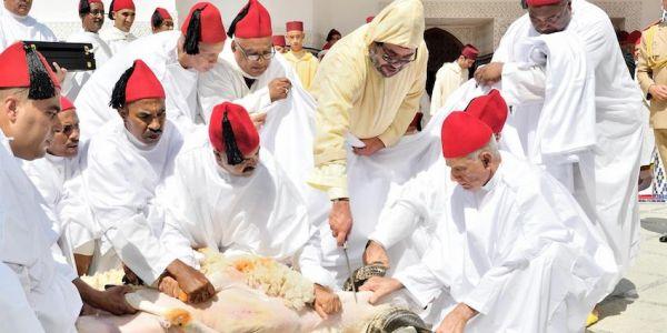 ها اش بدلات هاد الجايحة فطقوس الملك فالعيد لكبير