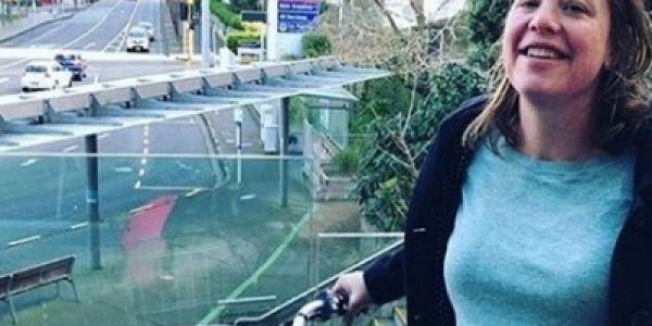 وزيرة نيوزيلندية مشات تولد فالسبيطار على البيكالا