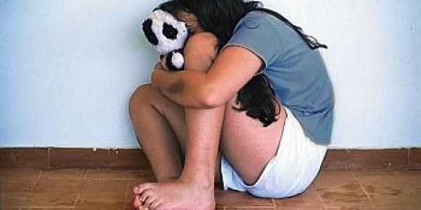 بيدوفيل طاح فيد الجدارمية. اغتصاب بنتو القاصر مدة 6 سنين