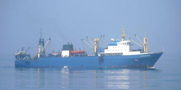 ساحل الداخلة: سفينة روسية شعلات فيها العافية