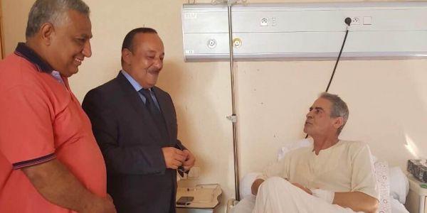 الوزير الأعرج كيف دخل من الكونجي ديالو مشا يشوف ميمون الوجدي للمستشفى العسكري