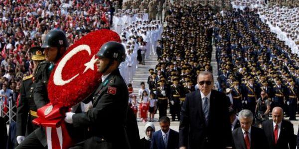 الحبس 6 سنين لمخرج سينمائي فتركيا صور مشهد إعدام أردوگان
