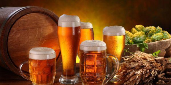 واحد دخل يشرب بيرة صدقات مقيومة عليه بغسيل الفندق