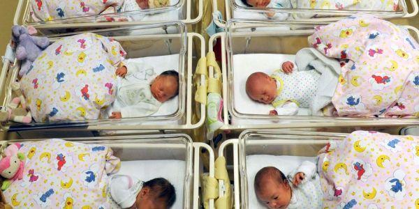 """رسميا.. غايوليو عندنا أطفال الأنابيب: حكومة البيجيدي رخصات """"الإخصاب الأنبوبي"""""""