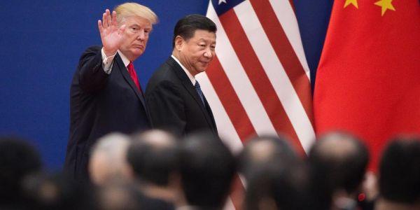 ترامب حالف : اييه كورونا فيروس خرجات من مختبر فووهان وغادي نديرو عقوبات على الصين