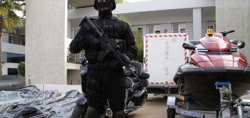 قضية شحنة الكوكايين ديال 200 مليار ما زال كيبان فيها لعجب. كولومبي كان غادي يدير مدرج سري فالداخلة لتهريب الغبرة من أمريكا اللاتينية للمغرب