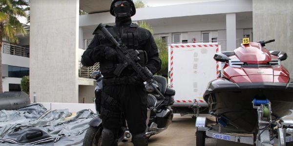 قضية شحنة الكوكايين ديال 200 مليار ما زال كيبان فيها لعجب. كولومبي وجد مطار سري فالداخلة لتهريب الغبرة من أمريكا اللاتينية لينا