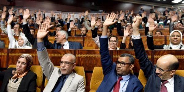 """حرب """"اللغات"""": بلوكاج قانون التعليم.. البرلمان فشل في تحديد موعد التصويت"""