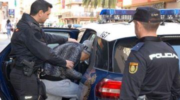 زعما مشاو يصنعو مستقبلهم.. اعتقال ثلاثة دالقاصرين مغاربة خربوها شراب وناضو يحيو فشوارع سرقسطة باغلاق الطريق والشفرة