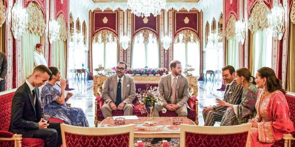 الأمير هاري ومراتو ميكَان ماركل دخلو لموسوعة گينيس وتصويرة المغرب حاضرة – صور