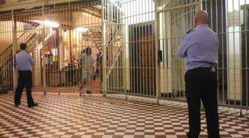 مغربية غادوز الحبس فهولندا بسباب الرقية الشرعية واستغلال ولدها الصغير جنسيا