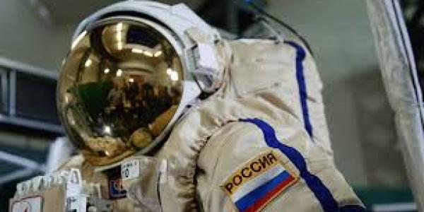 روسيا كتخطط لإرسال رواد فضاء للقمر