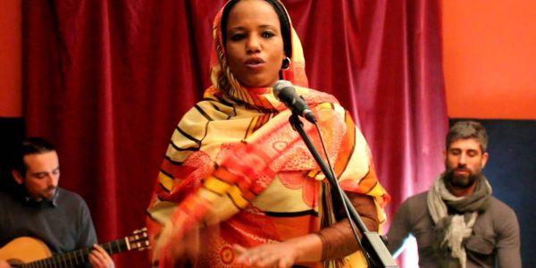 معهد العالم العربي لغى حفل مغنية ديال البوليساريو فباريس