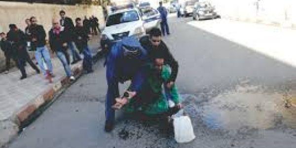 شباب حاولو ينتحرو قدام ولاية جهة العيون الساقية الحمراء