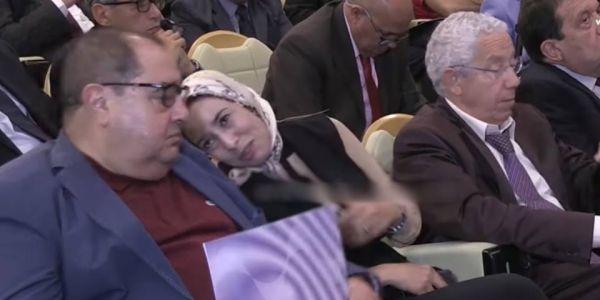 """كيف قالت """"گود"""".. """"البيجيدي"""" يطرد ماء العينين من مكتب مجلس النواب وها """"القنديلة"""" لي جات بلاصتها"""