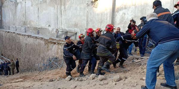 """جبدو جثة من تحت الانقاض بعد ما طاح حيط هونگار ديال """"آيت مزال"""" في """"لاجيروند"""" بكازا"""
