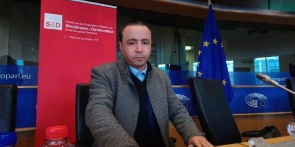 البوشتاوي محامي معتقلي الريف: خديت اللجوء السياسي ففرنسا انا ومراتي وولادي