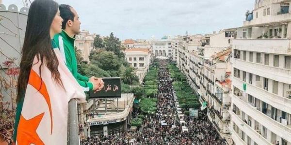 احتجاجات الجزاير.. الصورة اللي مرونة مواقع التواصل الاجتماعي