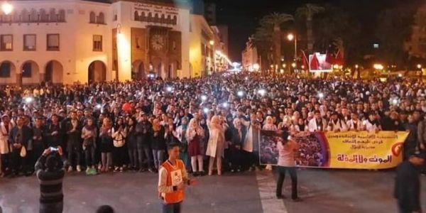 """أزمة """"أساتذة الكونطرا"""": اجتماع مراكش تسبب ف ارتباك الحكومة وأمزازي مهدد بـ""""الزلزال السياسي"""""""