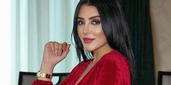 فاتي جمالي كشفات على الحوايج لي متقدرش تخرج بلا بيهم في صاكها اللي ساوي 4 مليون