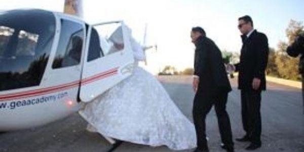 كوبل اردني تزوجو ف الهيليكوبتر- فيديو