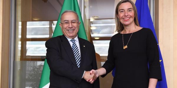 رمطان لعمامرة كيروج لملف الصحرا والوضع بالجزائر فالاتحاد الأوروبي فلقائو بفيديريكا موغوريني