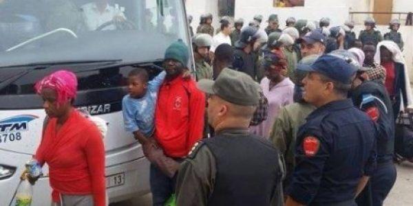 المغرب رحل 120 مهاجر من أكادير لمركز اجتماعي فظروف إنسانية واحترام تام للمواثيق الدولية