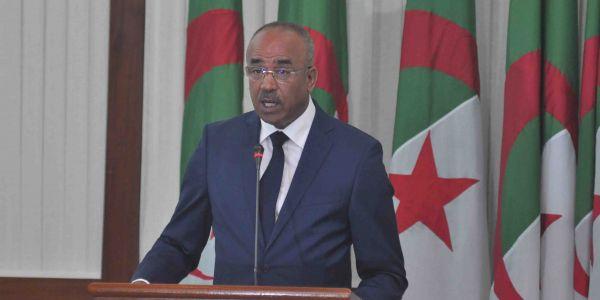 الوزير الأول الجزائري : البلاد كتعيش ظرف حساس وقصرنا فحق الشباب