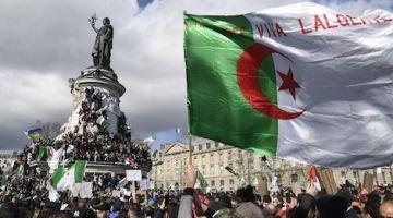 الجاليات الجزائرية بدات كتصوت فعز الاحتجاجات المتواصلة